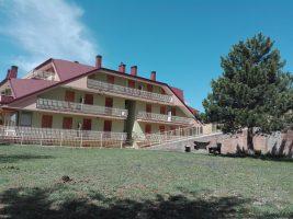 Filettino, appartamento in paese con balcone angolare !