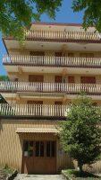 Filettino. Appartamento centrale con ampio balcone angolare