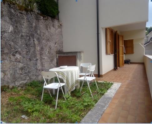 Filettino, bilocale con giardino in centro !