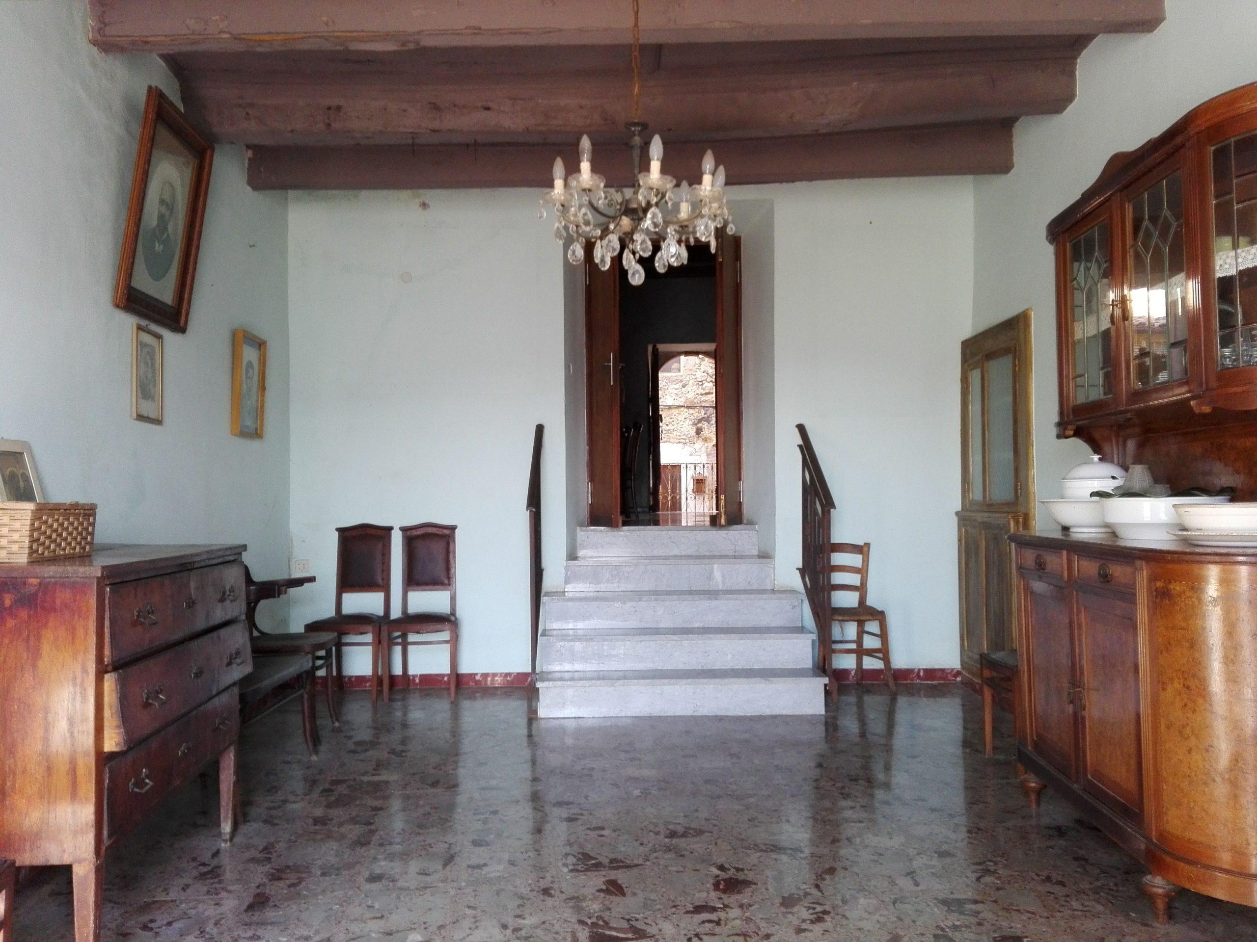 Giuliano di Roma, casa in centro con giardino