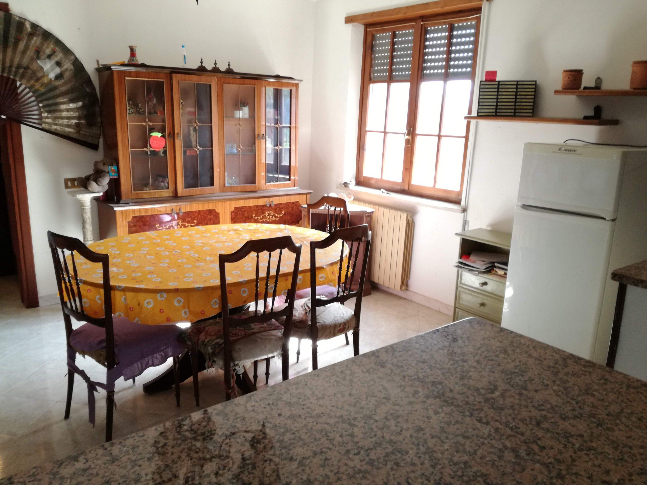 Pofi, casa indipendente di 300 mq