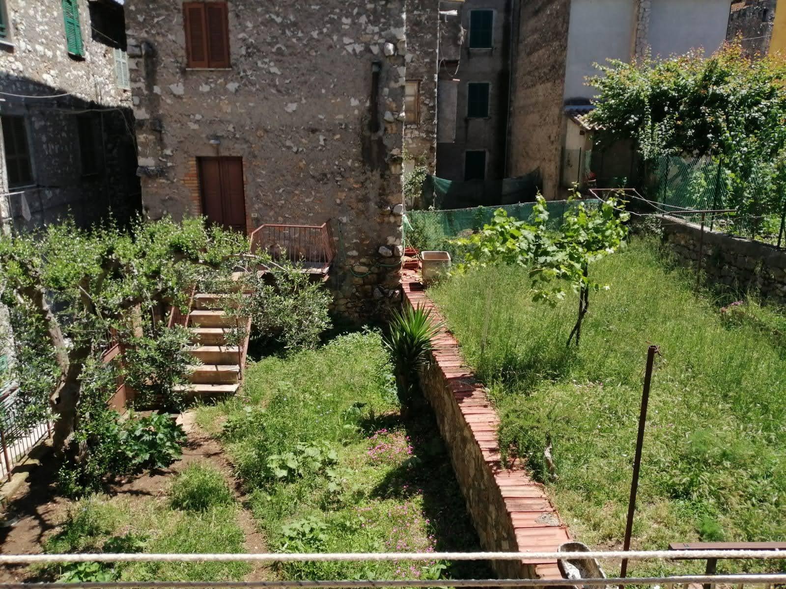 Sgurgola, bilocale con giardino