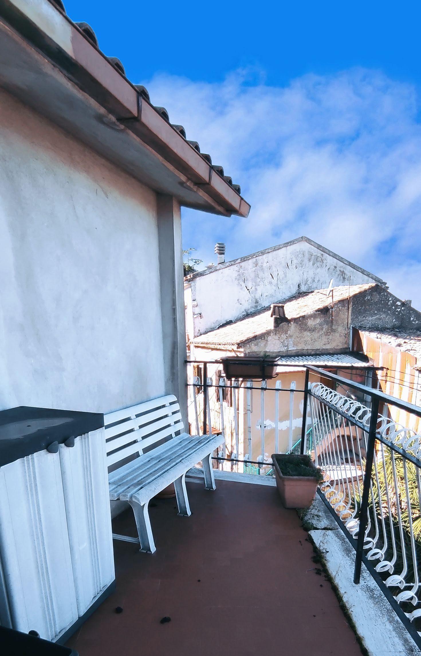 Sgurgola, quadrilocale con terrazzo e cantina