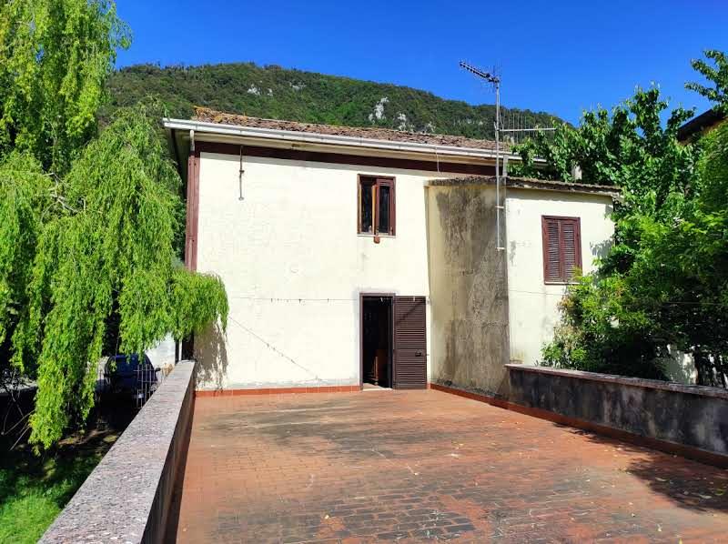 Giuliano di Roma, casa indipendente con giardino